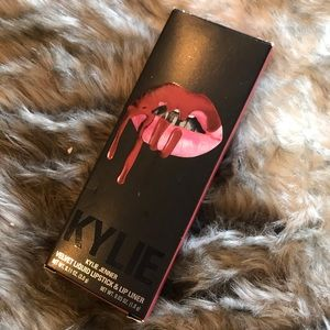 Kylie Cosmetics Lip Kit in DAZZLE